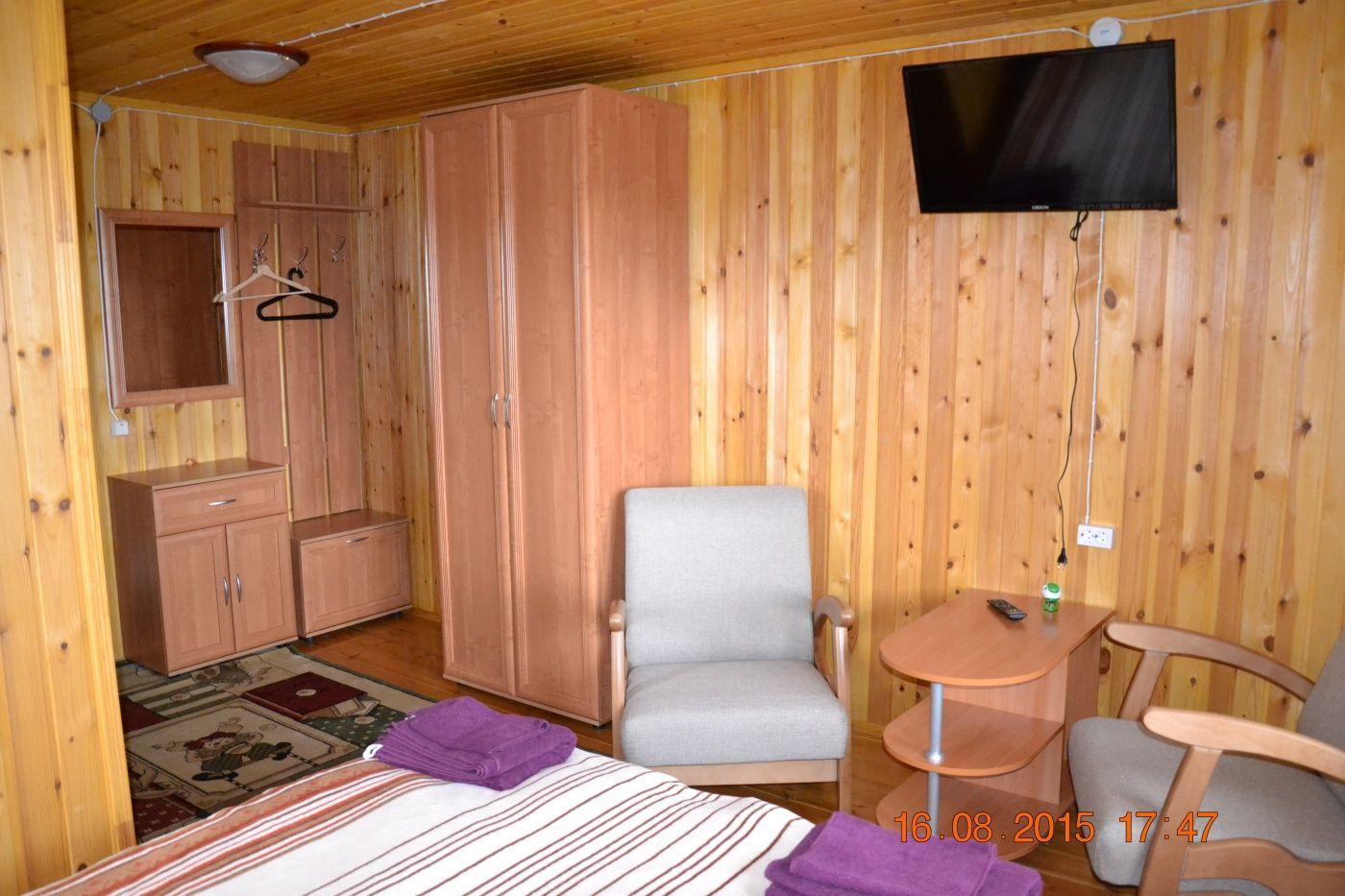 Конный двор «Струги» Ленинградская область 2-местный номер в трехэтажном коттедже, фото 3
