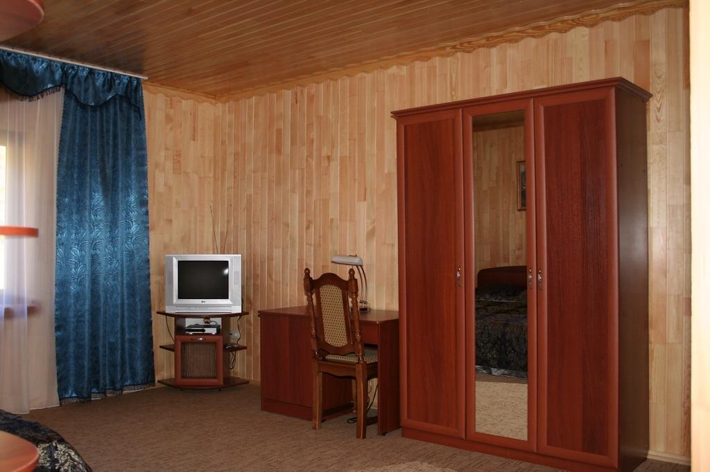"""База отдыха """"Медвежья гора"""" Республика Алтай 2-х местные гостиничные номера, фото 3"""