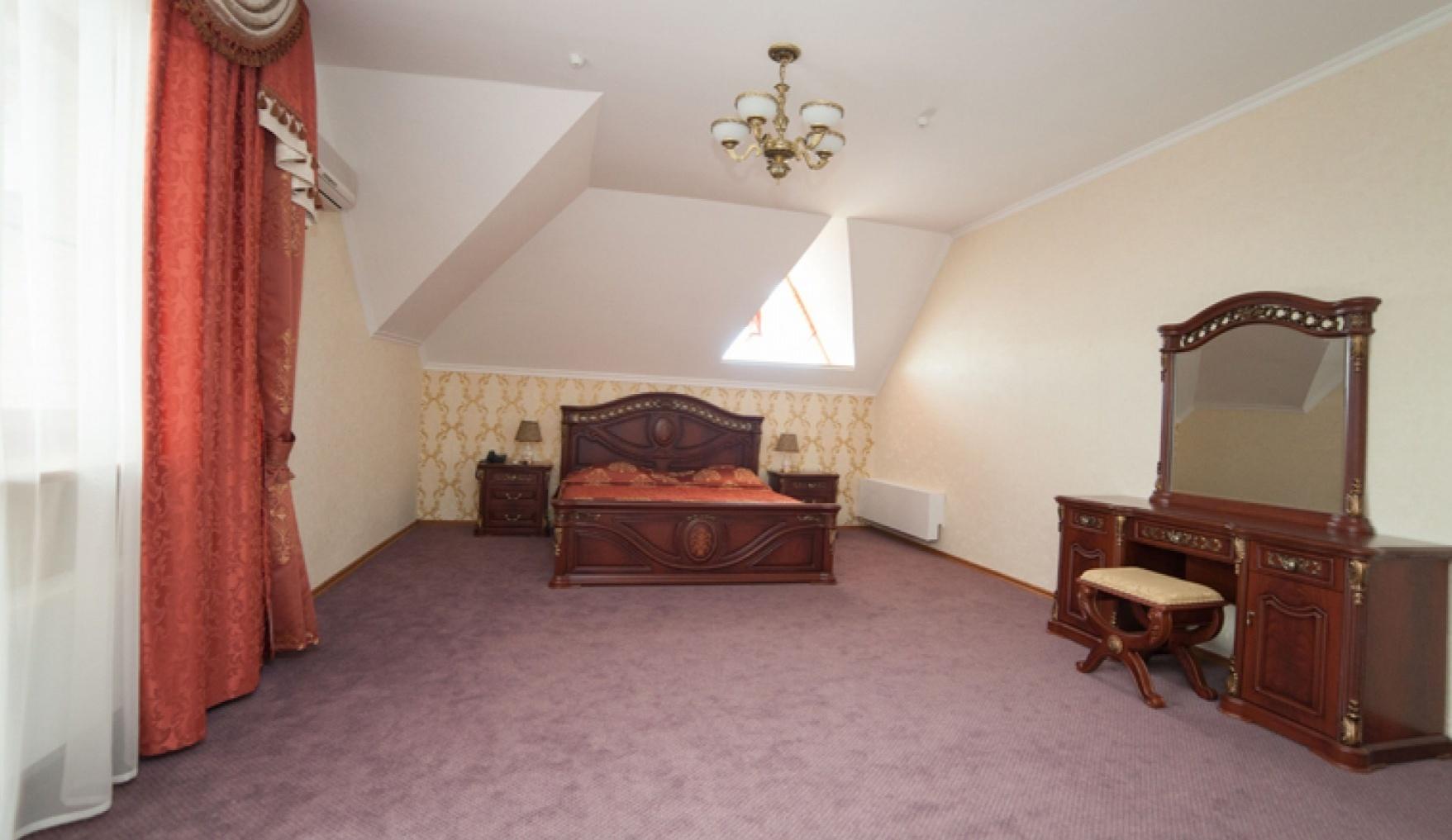 База отдыха «Улыбка» Белгородская область Номер «Люкс 2-комнатный» в коттедже, фото 1