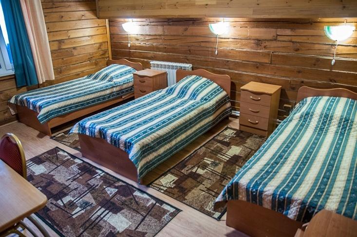 Мотель «Покровский медведь» Владимирская область Номер «Полулюкс» 4-местный №5,8 комплекс №1 , фото 2