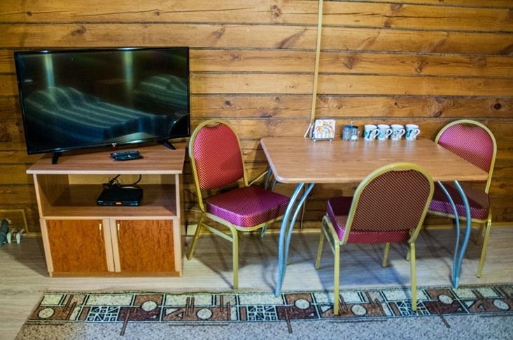 Мотель «Покровский медведь» Владимирская область Номер «Полулюкс» 4-местный №5,8 комплекс №1 , фото 5