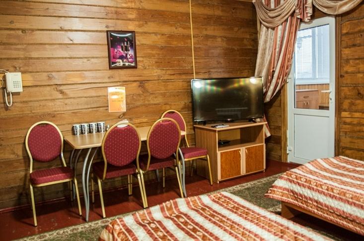 Мотель «Покровский медведь» Владимирская область Номер «Полулюкс» 4-местный №1 комплекс №1, фото 3
