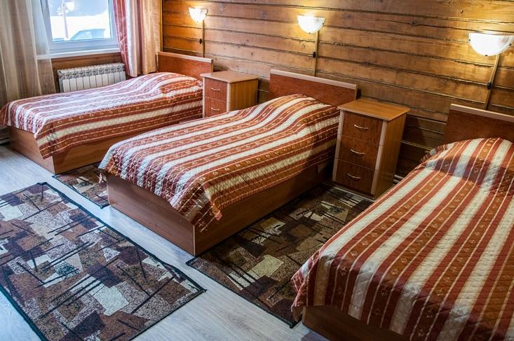 Мотель «Покровский медведь» Владимирская область Номер «Полулюкс» 3-местный № 2, 3 комплекс № 1, фото 1