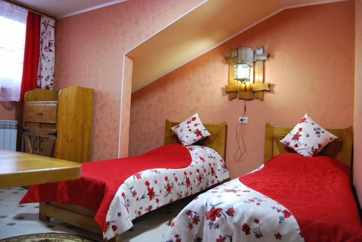 Мотель «Покровский медведь» Владимирская область Номер «Люкс» 3-местный № 7, 8, 9, 10 комплекс № 3 , фото 2