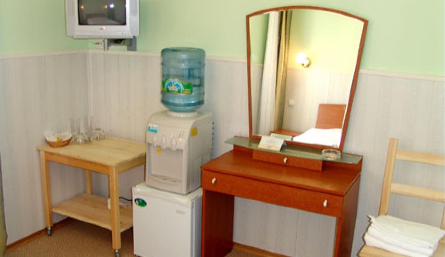 Гостиничный комплекс «Две реки» Белгородская область Номер 3-местный в корпусе «Таволга», фото 2