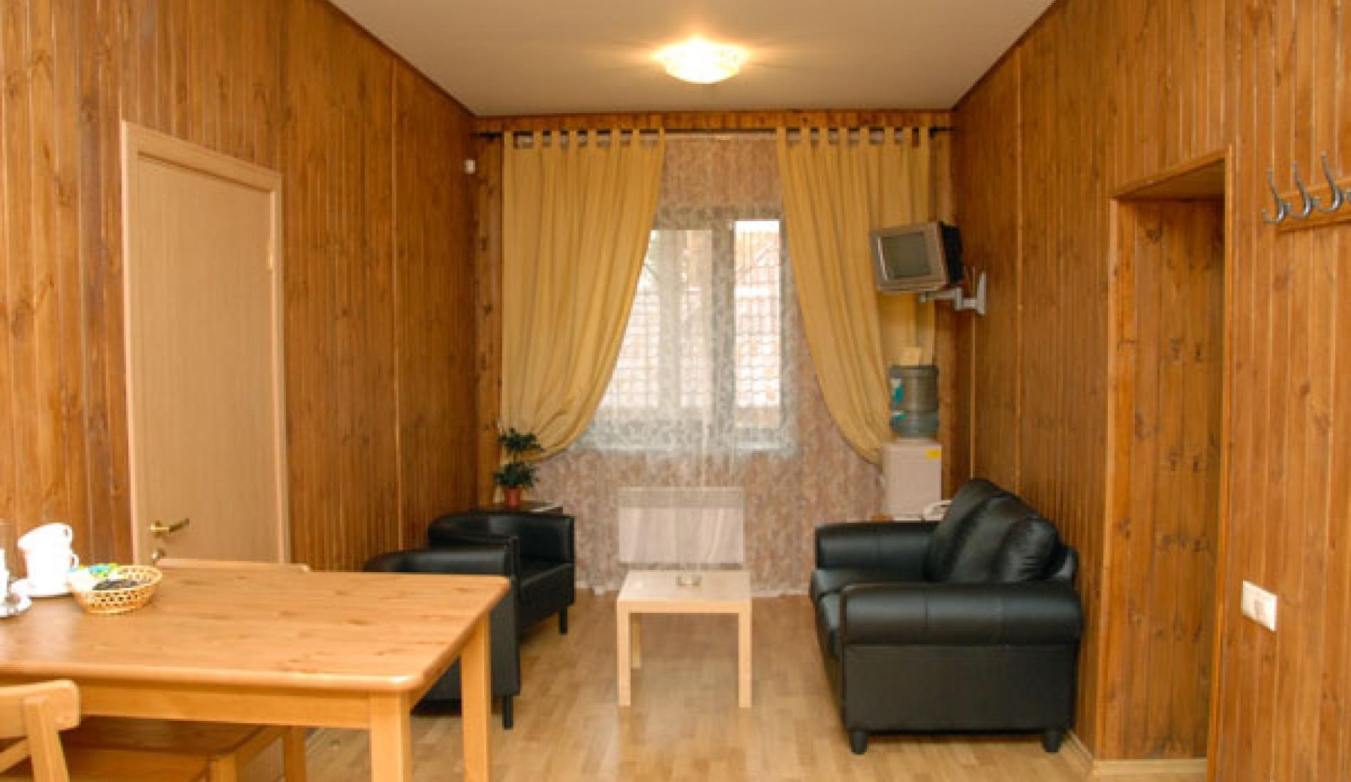 Гостиничный комплекс «Две реки» Белгородская область Номер 4-местный в корпусе «Медовый», фото 4
