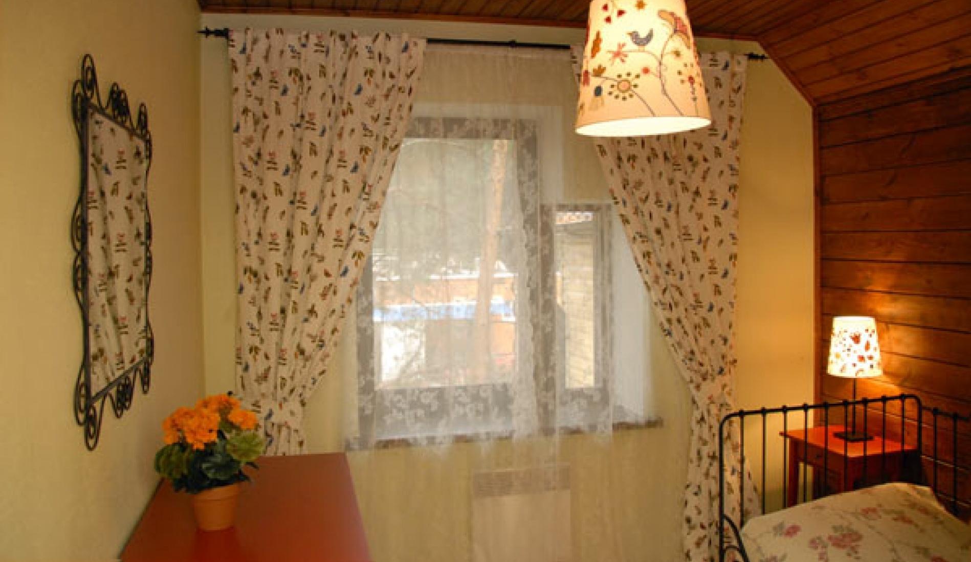 Гостиничный комплекс «Две реки» Белгородская область Номер 3-местный в корпусе «Медовый», фото 3