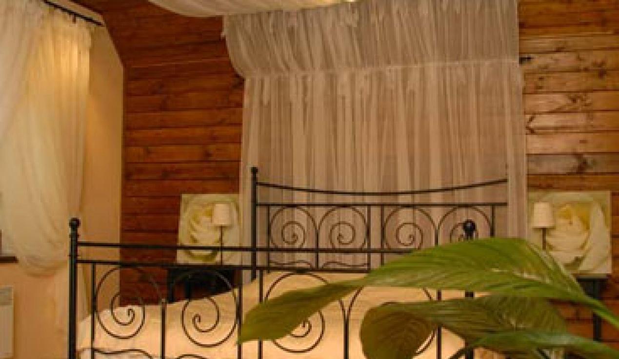 Гостиничный комплекс «Две реки» Белгородская область Номер для молодоженов в корпусе «Медовый», фото 2