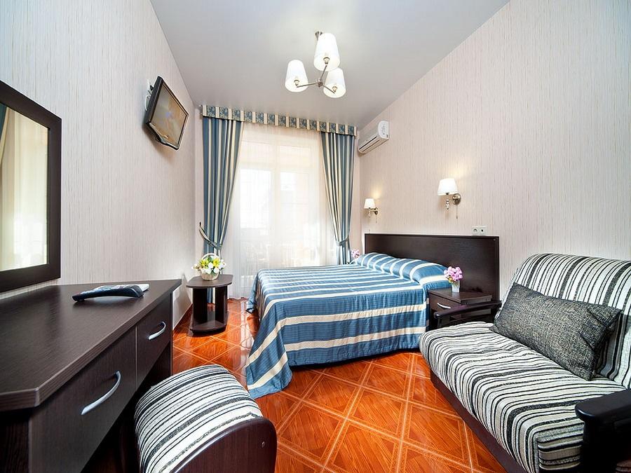 Отель «Константинополь» Краснодарский край Стандарт 3-местный, фото 1