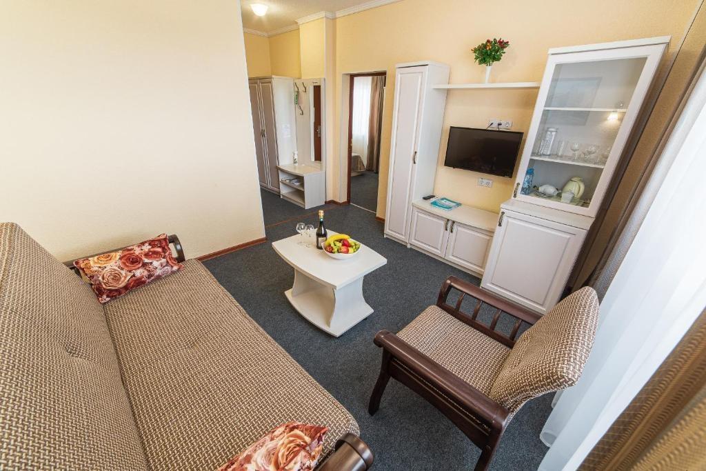 Парк-отель «Лазурный берег» Краснодарский край Люкс 2-комнатный , фото 4