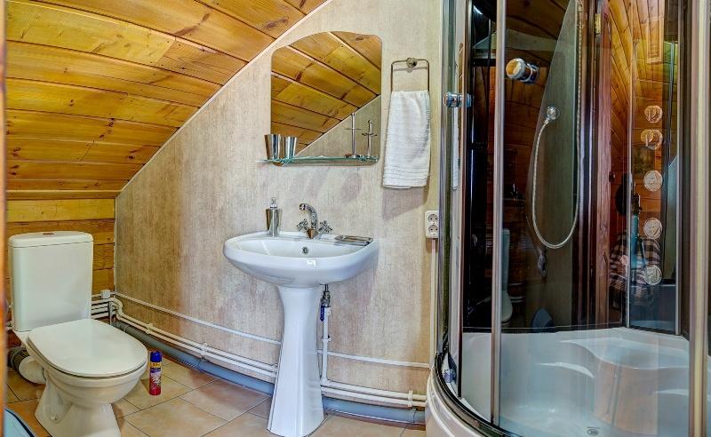 База отдыха «Белый Яр» Костромская область Номер №81, 84 в гостинице (Дом №8), фото 6