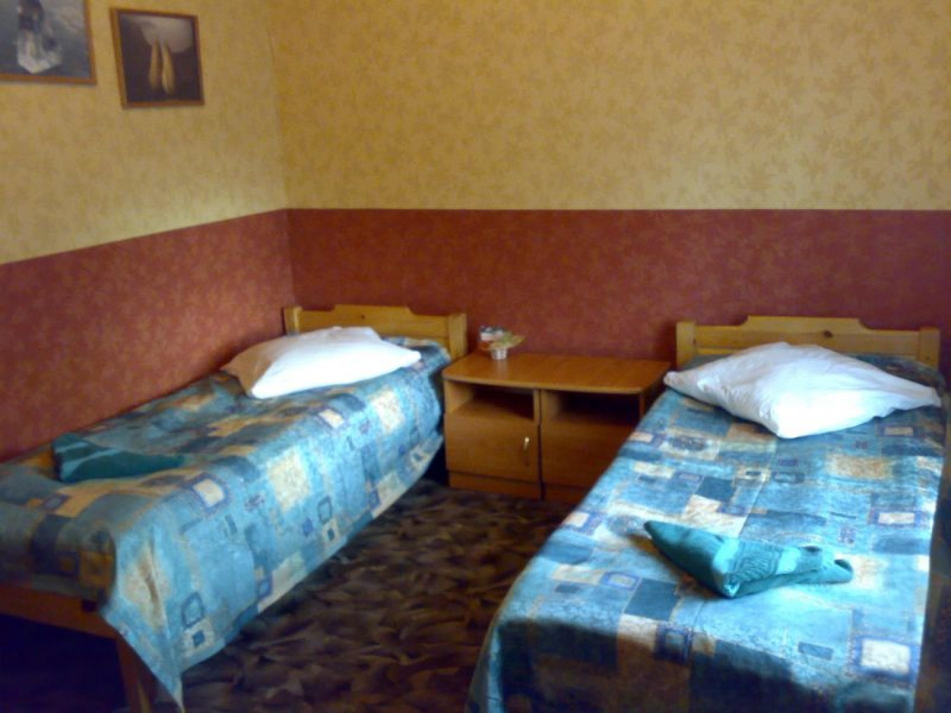 База отдыха «Ветер Странствий» Иркутская область Номер в гостинице № 3, фото 1
