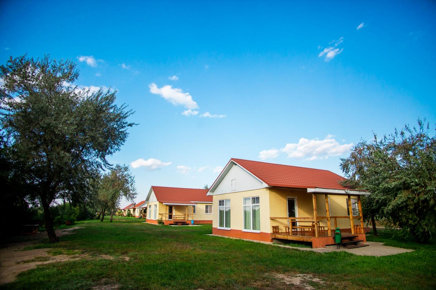 База отдыха «Наша Фазенда» Астраханская область Дом у реки «Семейный», фото 1