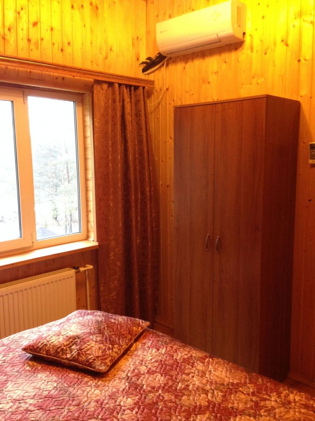 База отдыха «Полушкино» Рязанская область 8-местный номер в коттеджном комплексе «Приозерный» (3 спальни), фото 2