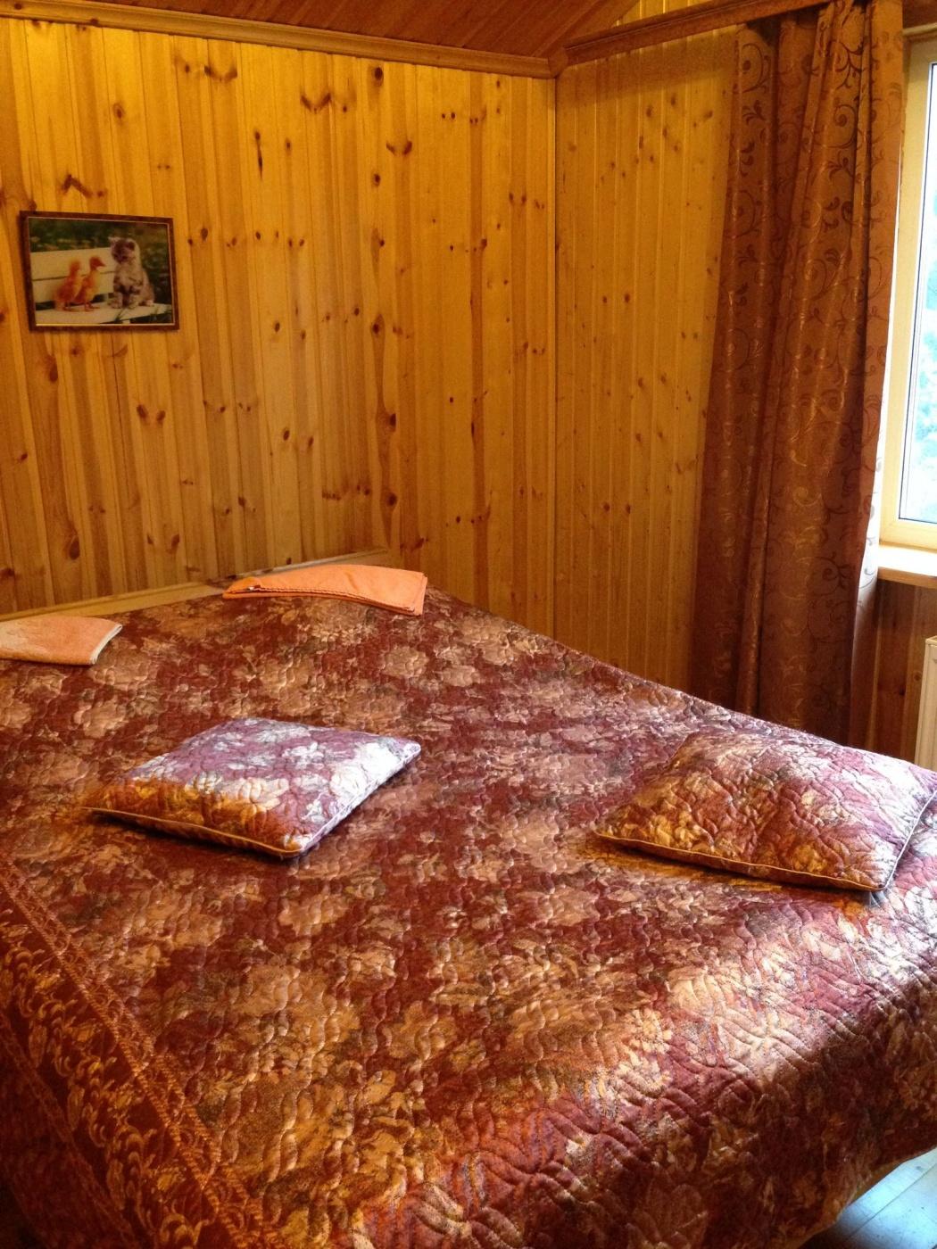 База отдыха «Полушкино» Рязанская область 8-местный номер в коттеджном комплексе «Приозерный» (3 спальни), фото 4