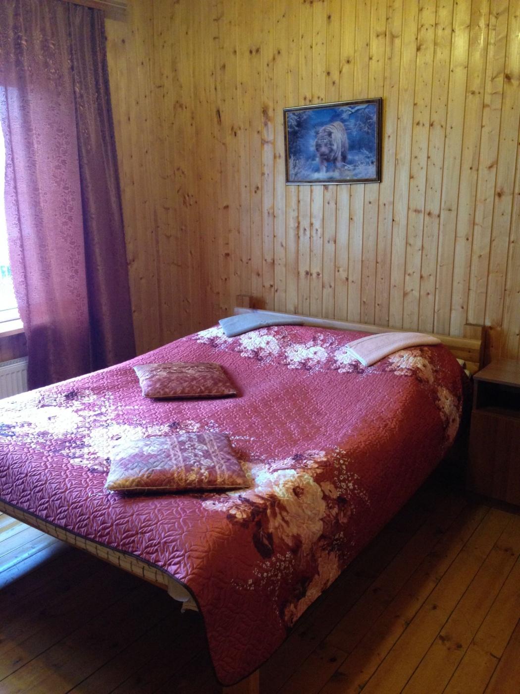 База отдыха «Полушкино» Рязанская область 5-местный номер в коттеджном комплексе «Приозерный» (1 спальня), фото 1