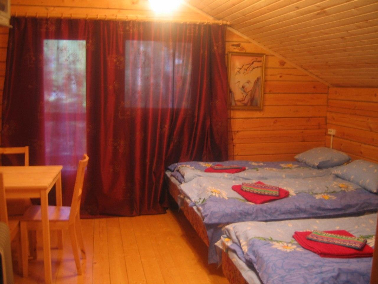 База отдыха «Лебедь» Кировская область Комната 4-местная в VIP-доме №6, фото 1