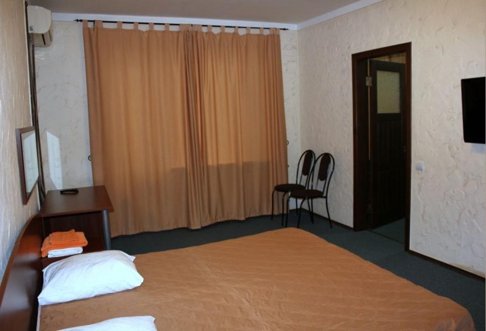 База отдыха «Подсолнух» Саратовская область 2-комнатный номер в Зимнем корпусе, фото 3