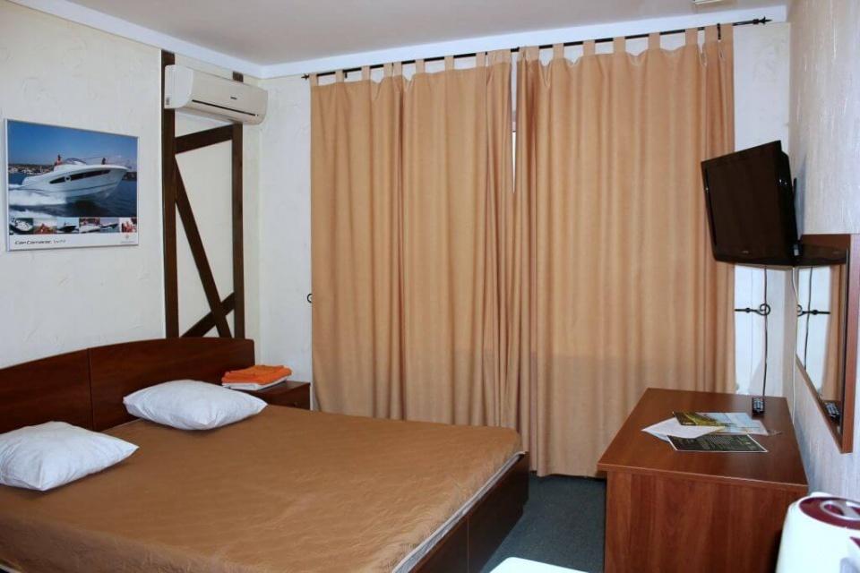 База отдыха «Подсолнух» Саратовская область 2-комнатный номер в Зимнем корпусе, фото 4