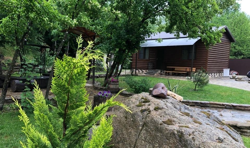 База отдыха «Горное Поместье» Краснодарский край Двухкомнатный 8-местный коттедж, фото 1