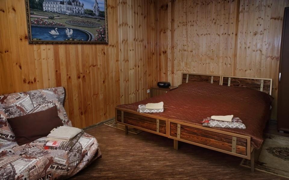 База отдыха «Горное Поместье» Краснодарский край Семейный 4-местный номер, фото 2