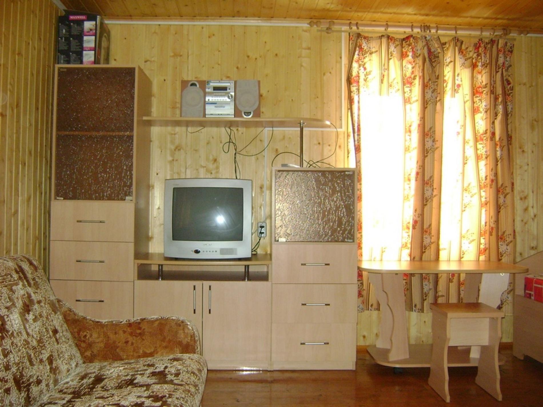 """База отдыха """"Юг"""" Кировская область 2-х этажный гостевой домик , фото 2"""