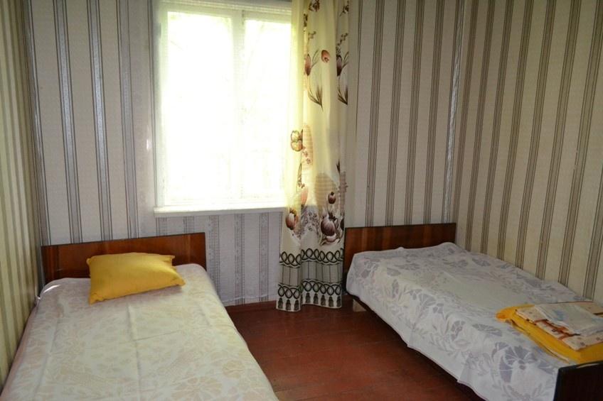 База отдыха «Окатур» Тульская область 2-местный летний домик № 14/1, фото 2