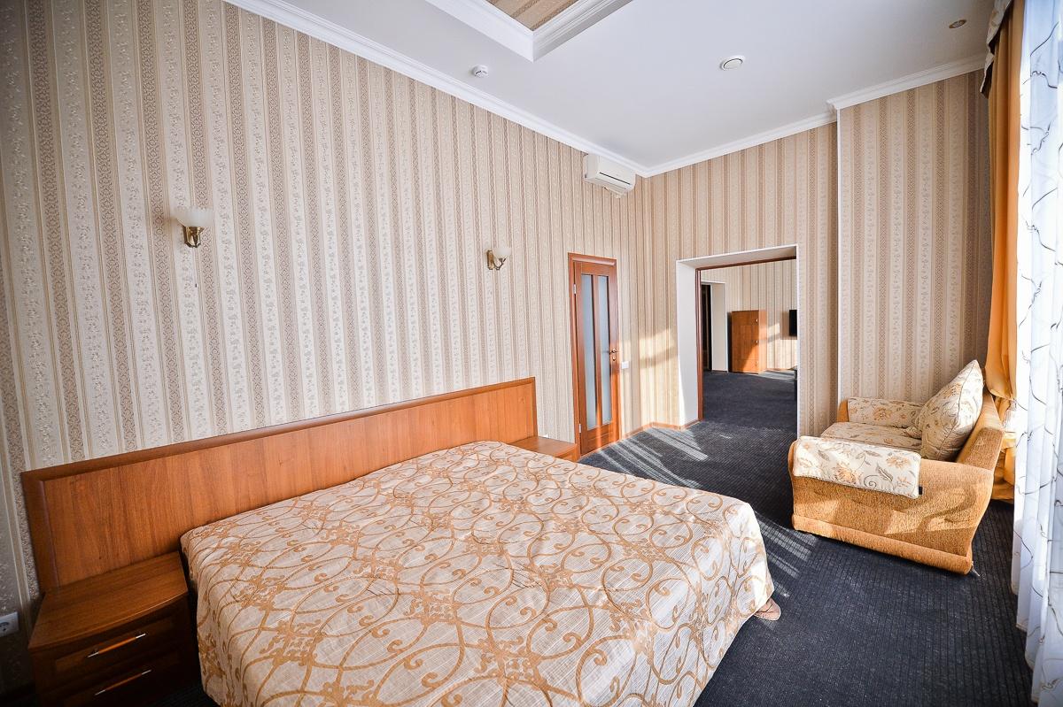 Парк-отель «Нежинка» Оренбургская область Люкс Family №603, №606, фото 3