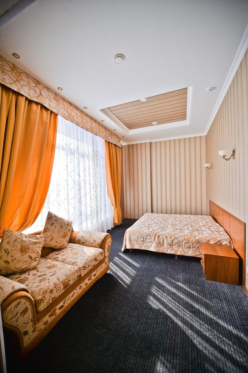 Парк-отель «Нежинка» Оренбургская область Люкс Family, фото 2