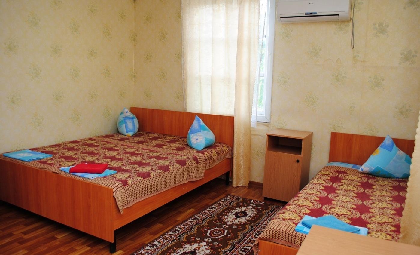 """База отдыха """"Прибой"""" Краснодарский край 2-местный номер с частичными удобствами в корпусе, фото 2"""
