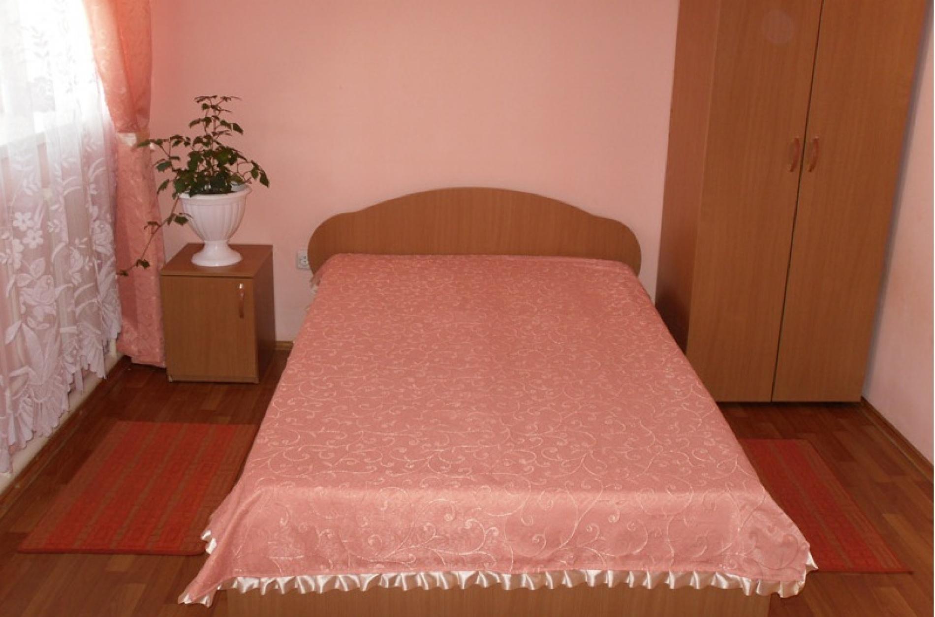 """База отдыха """"Майорка"""" Оренбургская область Номер 4-местный 2-комнатный , фото 1"""