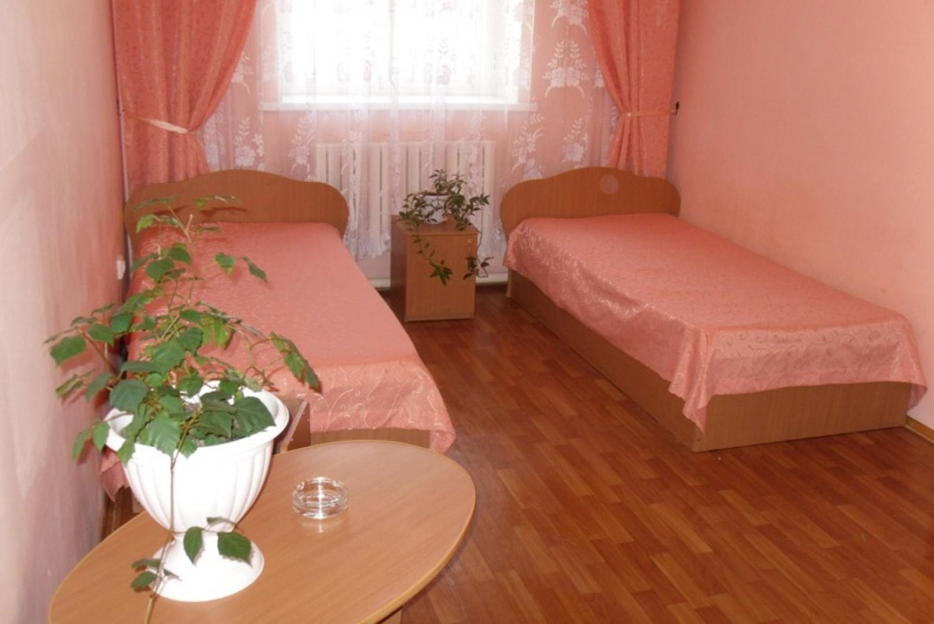 """База отдыха """"Майорка"""" Оренбургская область Номер 4-местный 2-комнатный , фото 2"""
