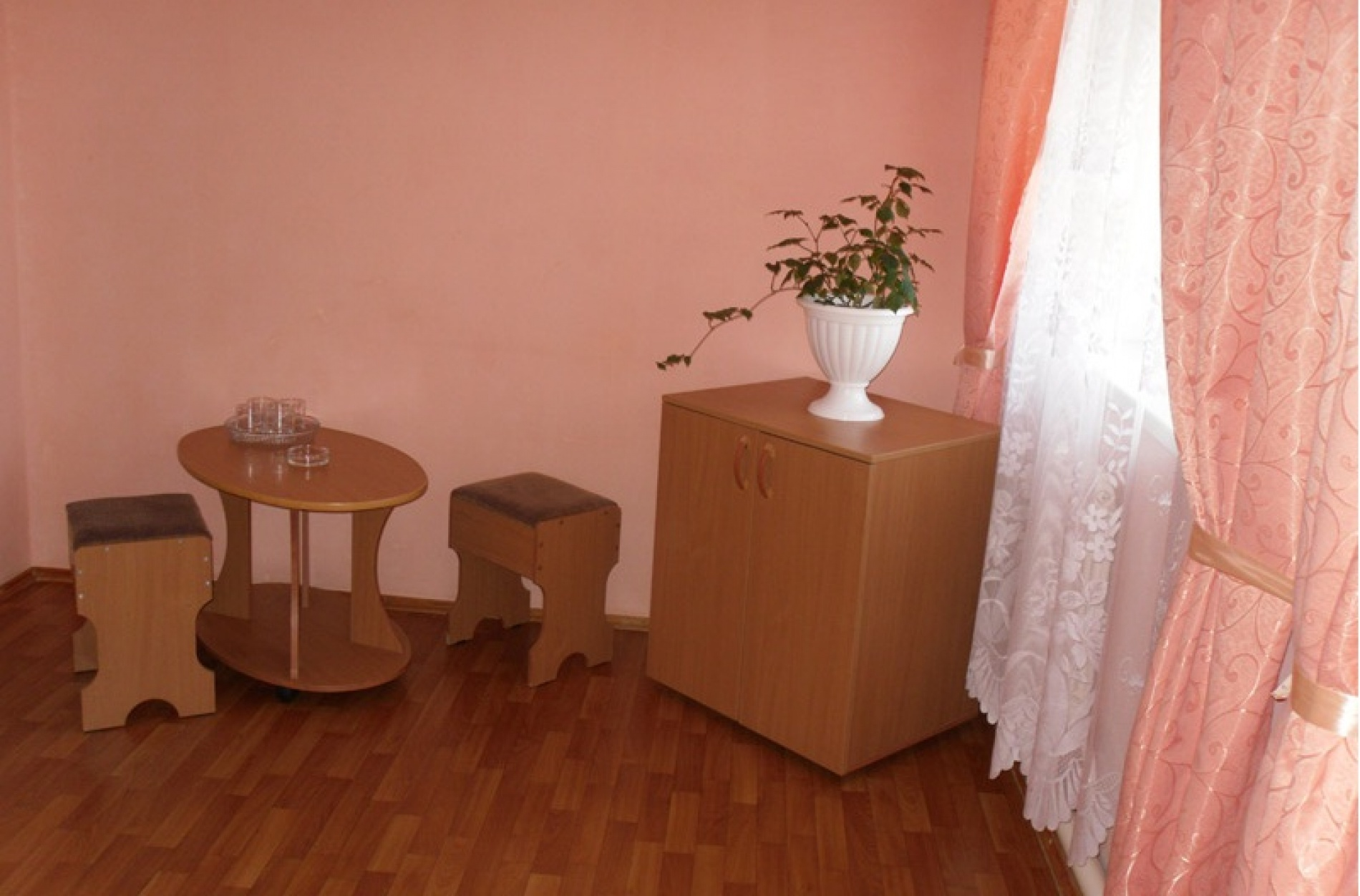 """База отдыха """"Майорка"""" Оренбургская область Номер 4-местный 2-комнатный , фото 3"""