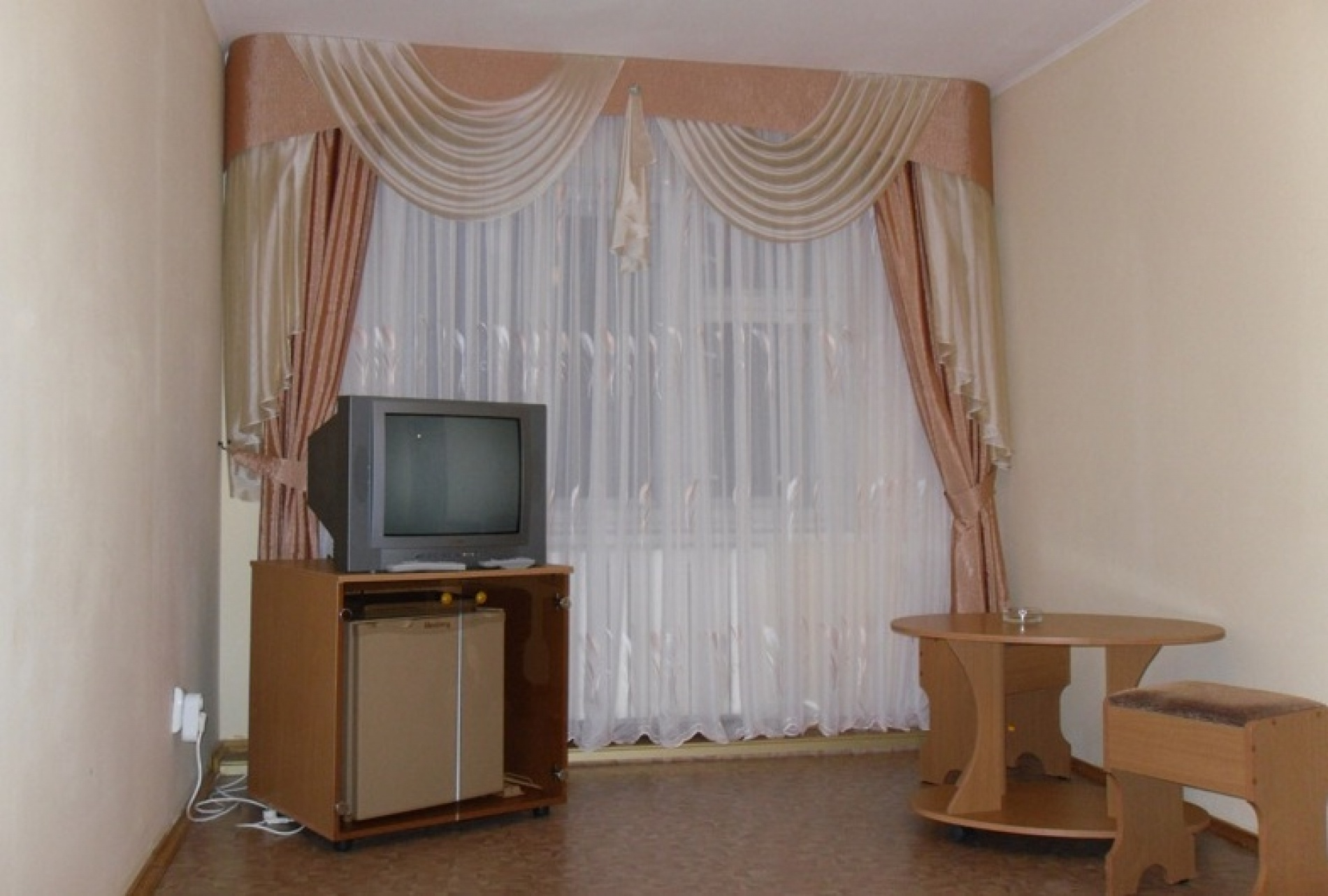 """База отдыха """"Майорка"""" Оренбургская область Номер 2-местный 2-комнатный , фото 2"""