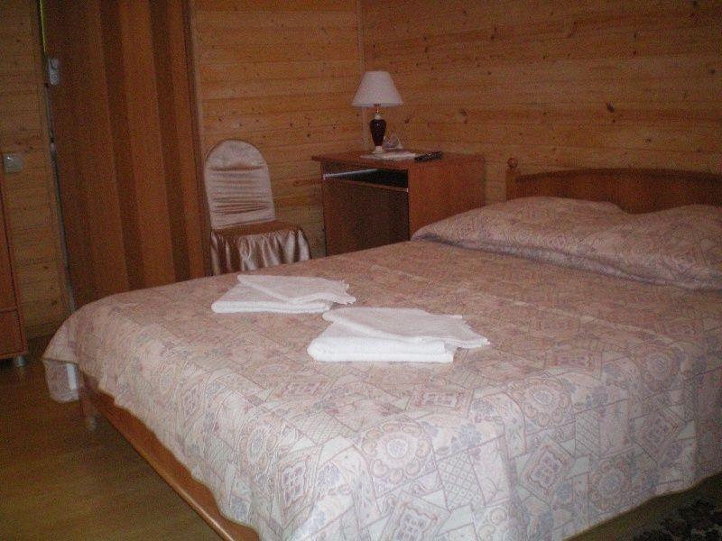 База отдыха «Крестьянское подворье» Краснодарский край Финский домик 3-местный 1-комнатный с верандой , фото 1