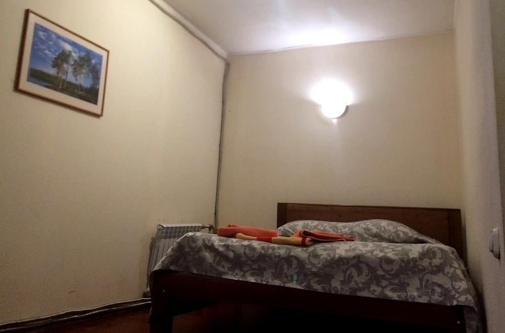 Турбаза «Чусовая» Свердловская область Номер «Комфорт» (двуспальная кровать+диван) корпус «Часовой», фото 1