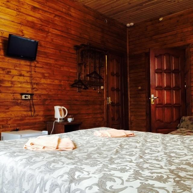 Турбаза «Чусовая» Свердловская область Номер «Люкс» 2-комнатный корпус «Часовой» , фото 4
