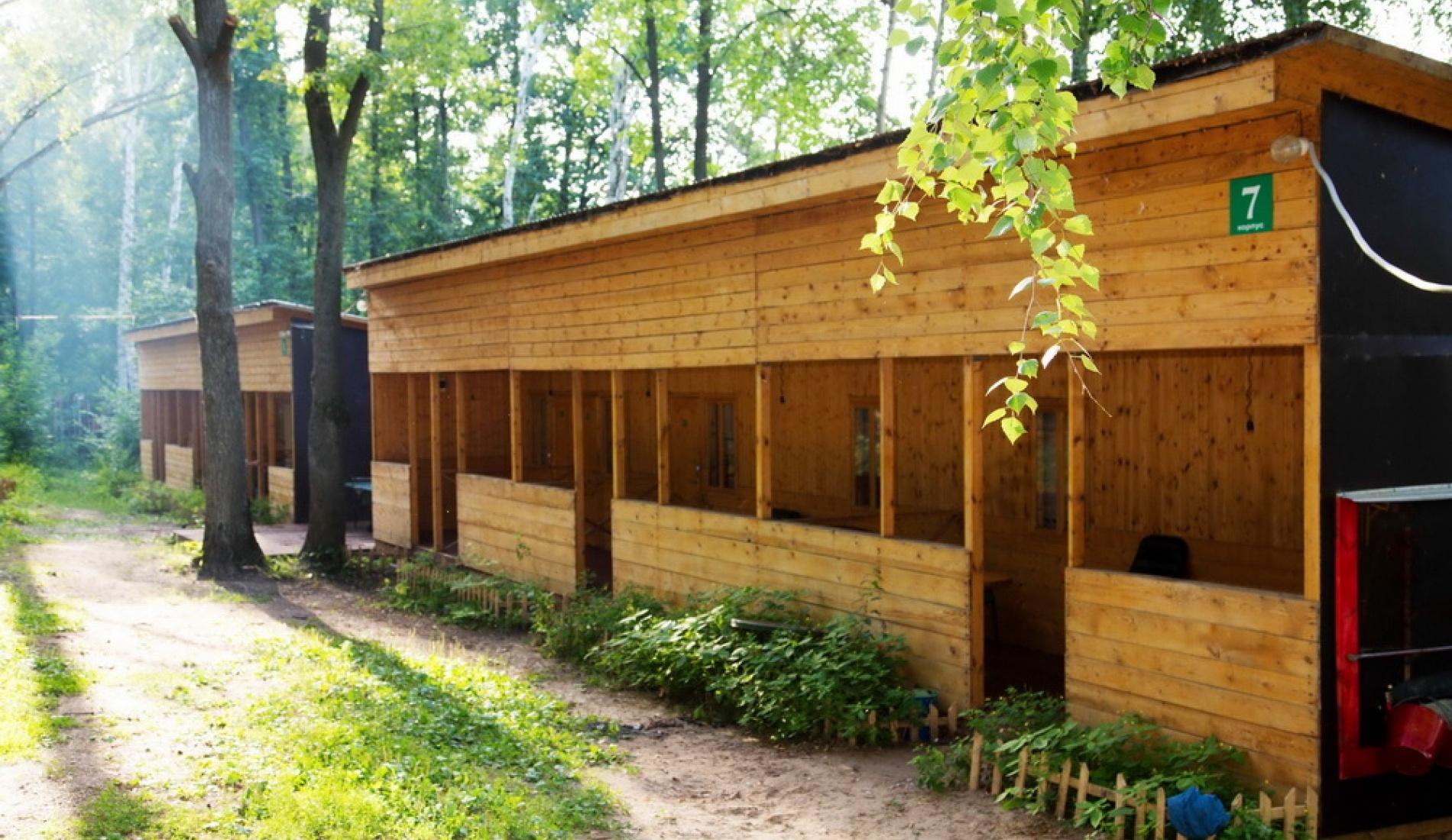 База отдыха «Домик в лесу» Республика Татарстан 2-местная комната в летнем корпусе, фото 1