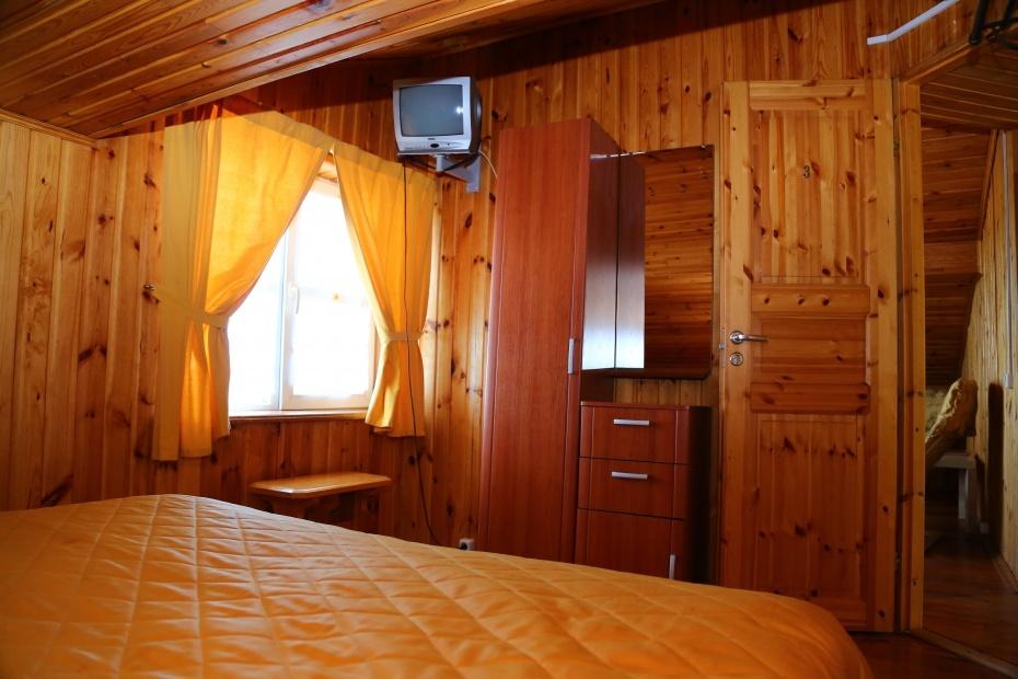 Загородный отель «Плесков» Псковская область Домик на берегу (3 спальни), фото 3