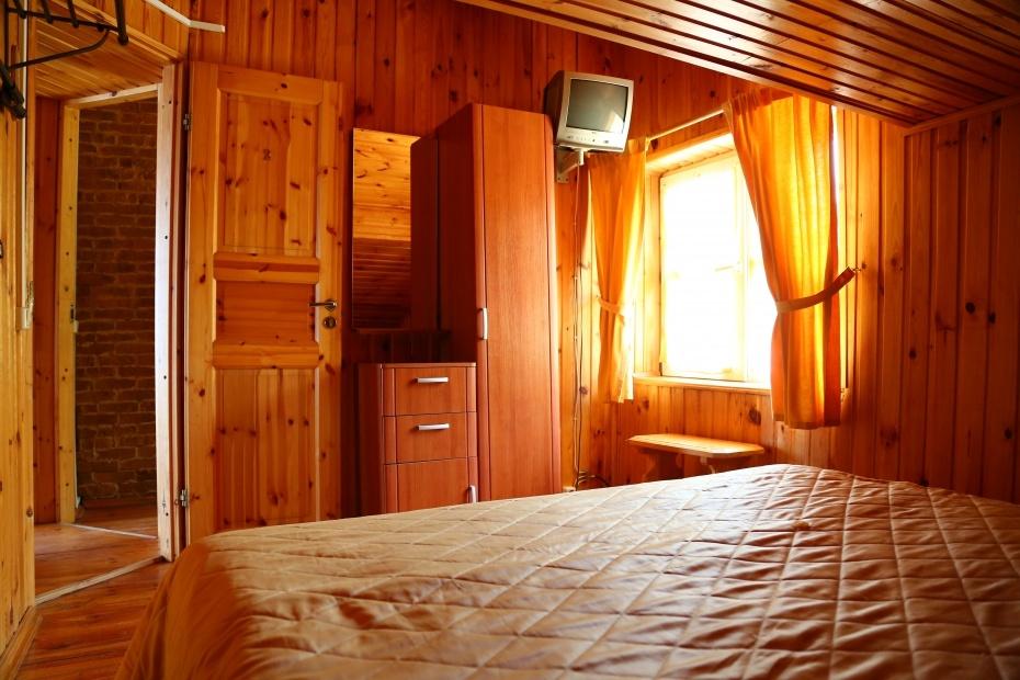 Загородный отель «Плесков» Псковская область Домик на берегу (3 спальни), фото 2