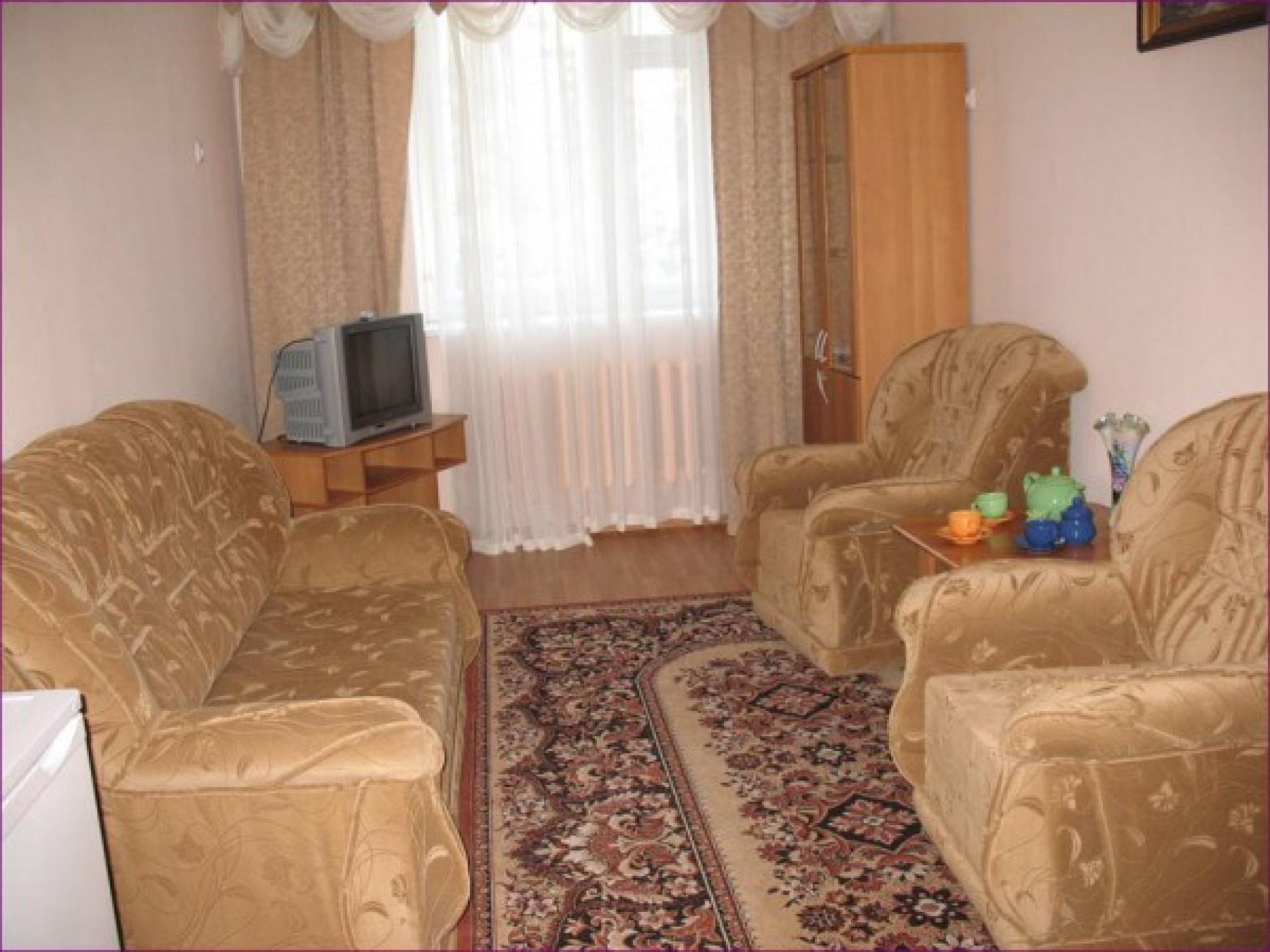 """База отдыха """"Парма"""" Республика Коми 2-х местный 2-х комнатный номер, фото 2"""