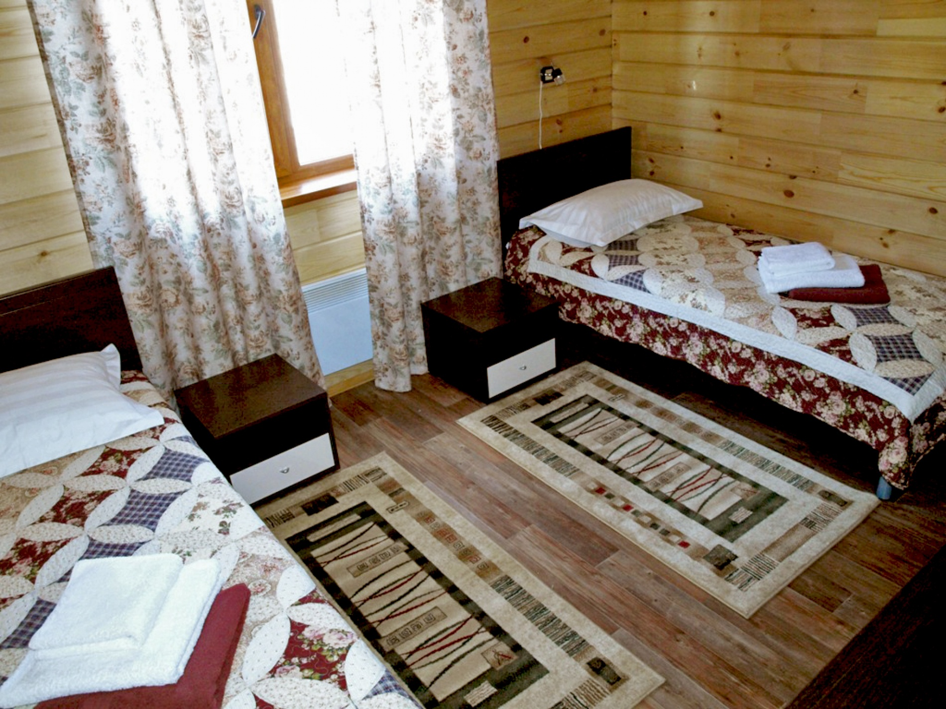 """База отдыха """"Хадарта"""" Иркутская область Улучшенный двухместный номер TWIN, фото 1"""