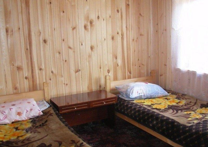 База отдыха «Ольхонские терема» Иркутская область 2-местные неблагоустроенные домики, фото 1