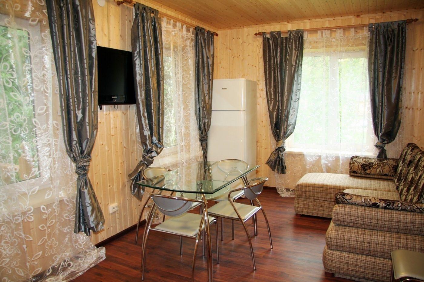 База отдыха «Соколинское» Ленинградская область 10-местный дом, фото 1