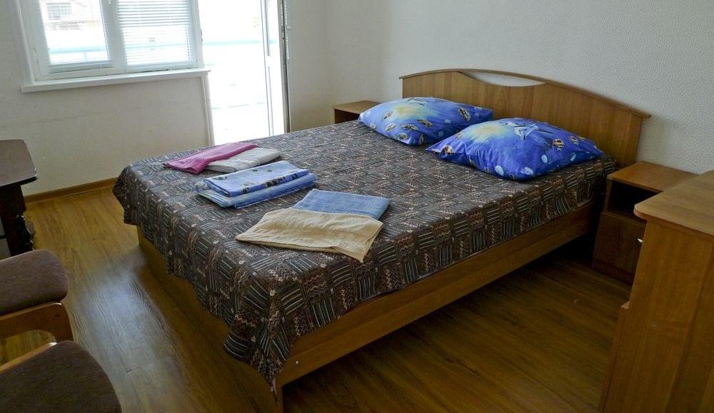 """Турбаза """"Прибой"""" Республика Дагестан 2-х местный 2-х комнатный люкс с балконом, фото 1"""