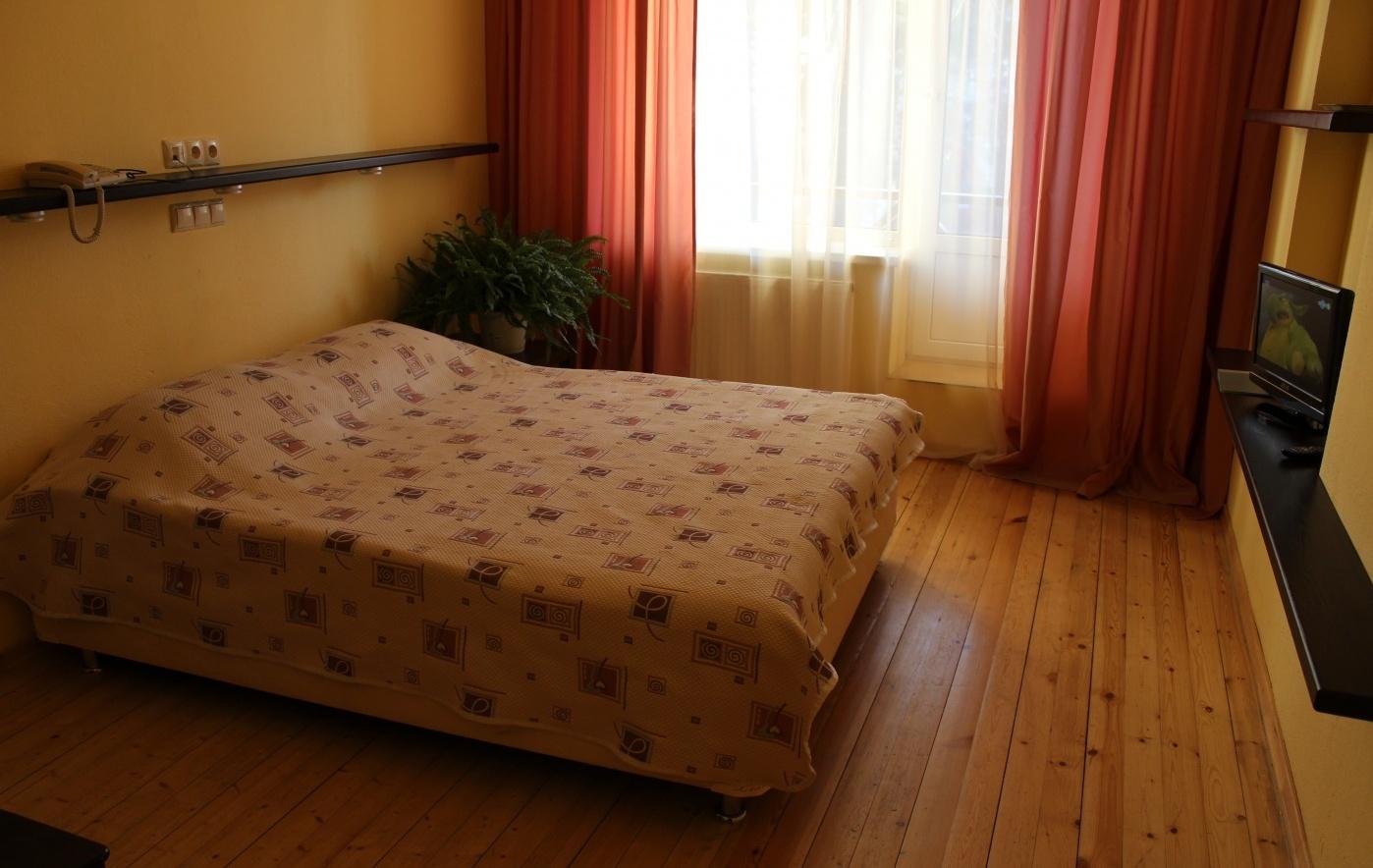 """База отдыха """"Солнечная на Оке"""" Калужская область Стандарт в гостинице, фото 1"""