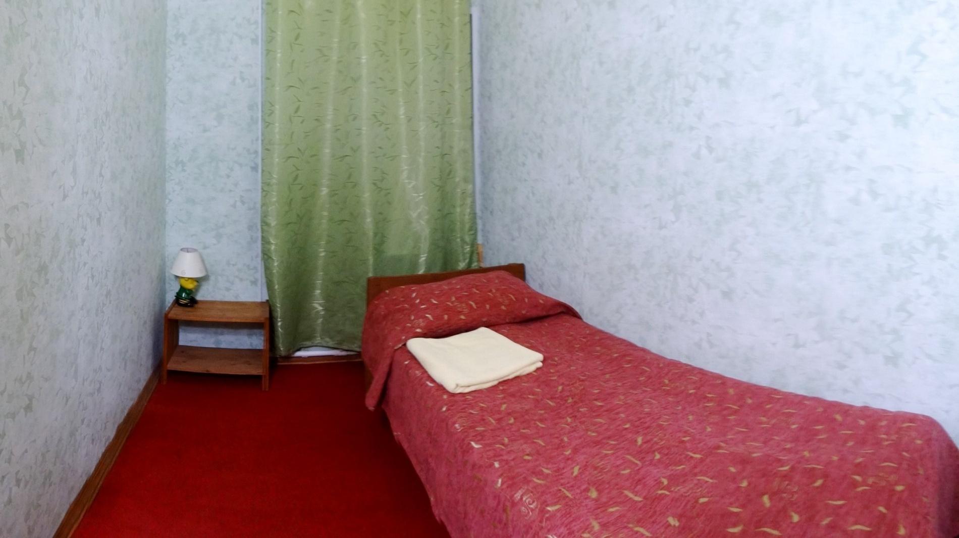 """База отдыха """"Спутник"""" Нижегородская область """"Стандартный+"""" 3-х местный 2-х комнатный номер, фото 2"""