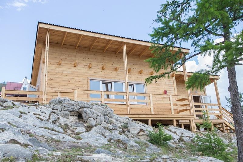 База отдыха «Чара» Иркутская область Дом с тремя спальнями, фото 1