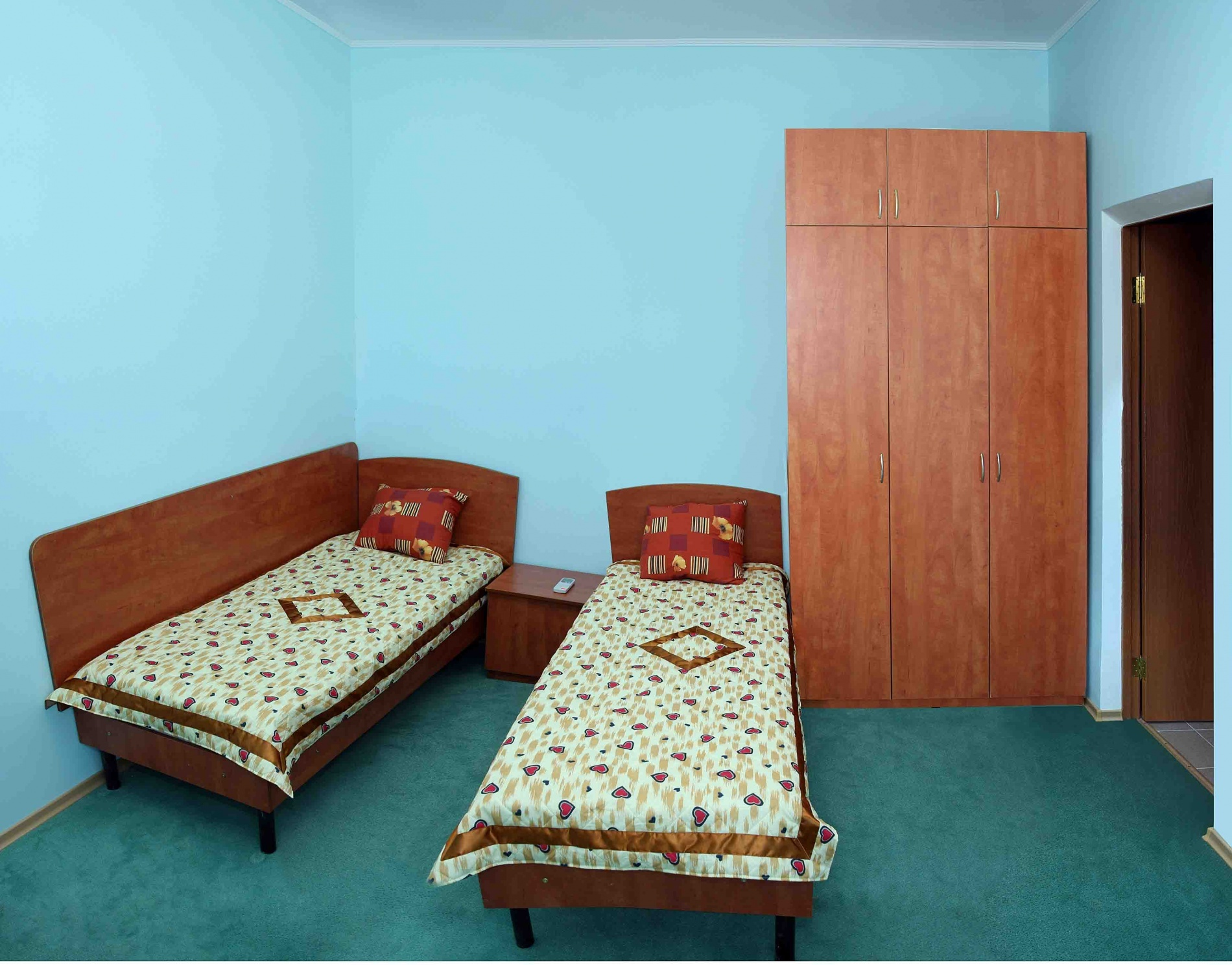"База отдыха ""Казачий берег"" Краснодарский край 4-х местный 2-х комнатный номер, фото 2"