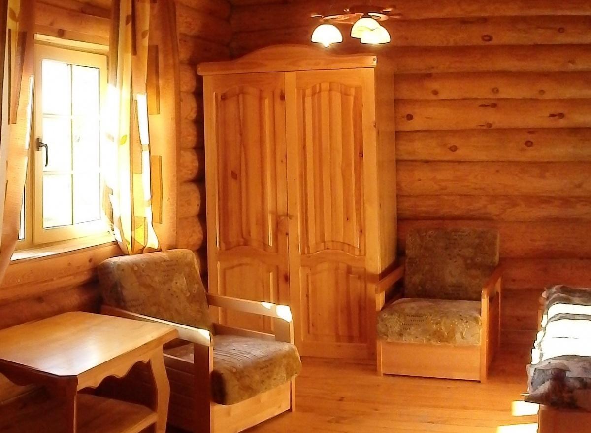 База отдыха «Константинова Усадьба» Новгородская область 2-местный номер в бревенчатом доме, фото 4